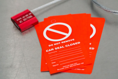 Pack of 10 Car Seals & Tags - Total Lockout